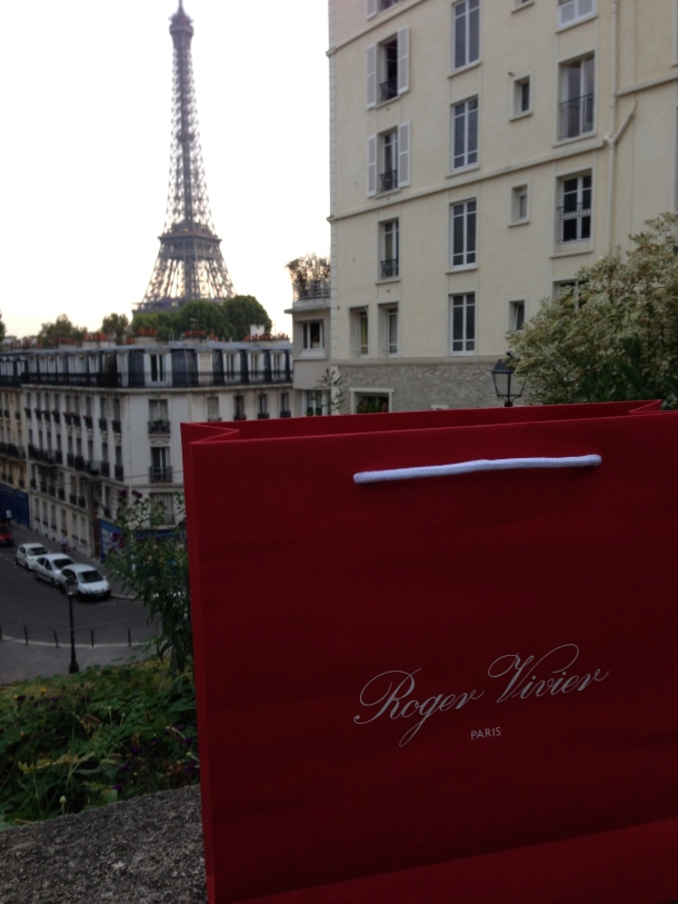 Virgule, etc. in the footsteps of Roger Vivier