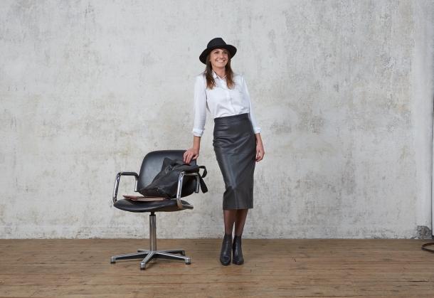 TRENDY OFFICE GIRL 6