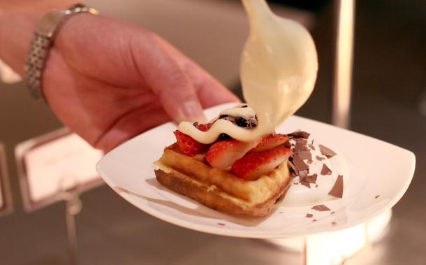 strawberry art buffet hilton tokyo5