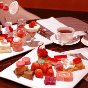 Strawberry Art Buffet at HiltonTokyo