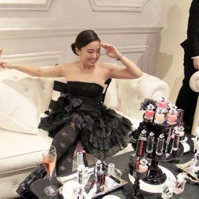 So elegance! La petite Robe Noir RoomParty