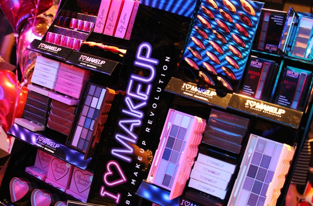 i love make up bu makeup revolution3